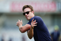 De Villiers fires warning shot