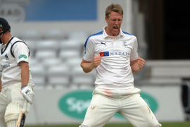 CLOSE REPORT: YORKSHIRE V WARWICKSHIRE (DAY THREE)