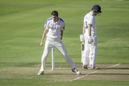Close report: Yorkshire v Warwickshire (Day One)